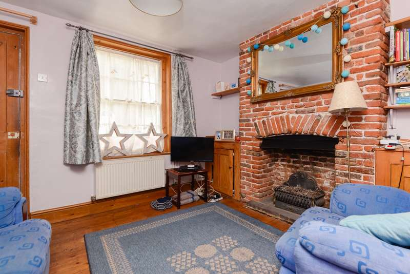 2 Bedrooms Terraced House for sale in Orchard Street, Canterbury, CT2