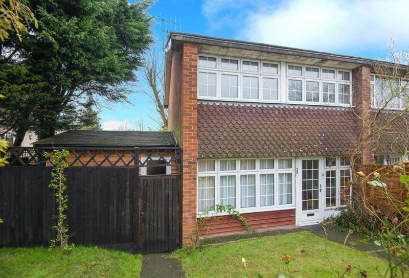 3 Bedrooms Semi Detached House for sale in Plough Hill, Cuffley, Potters Bar, Hertfordshire