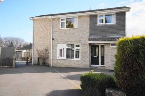 4 Bedrooms House for sale in Ashurst Road, West Moors