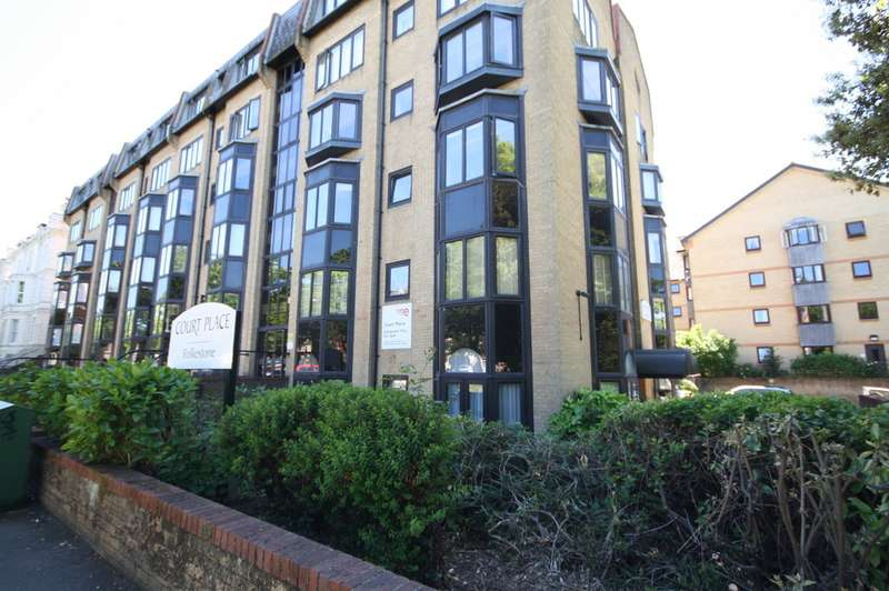 1 Bedroom Apartment Flat for sale in Court Place, Castle Hill Avenue CT20