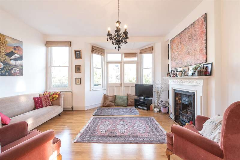 4 Bedrooms Flat for sale in St. James Lane, London, N10