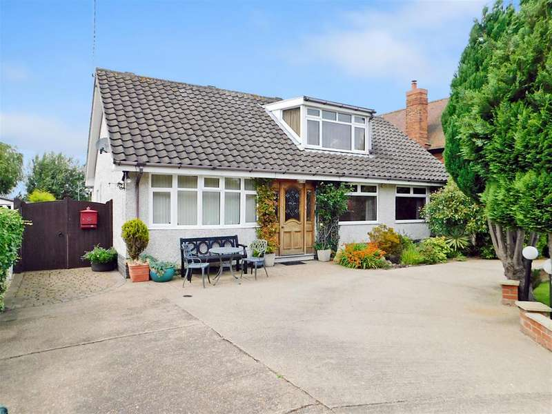 4 Bedrooms Detached Bungalow for sale in Drummond Road, Skegness, Lincolnshire, PE25 3BB