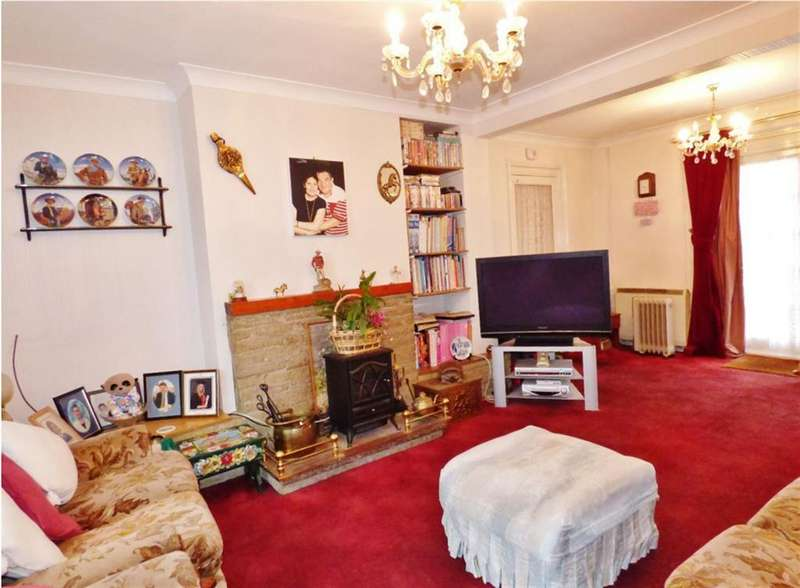3 Bedrooms Semi Detached House for sale in Beech Avenue, Brentford, TW8