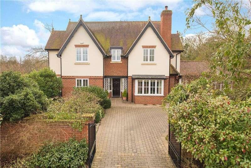 4 Bedrooms Detached House for sale in Park Road, Moggerhanger, Bedford, Bedfordshire