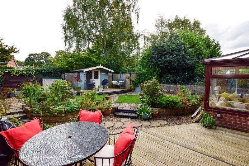 4 Bedrooms Link Detached House for sale in Rosebank, Lymm