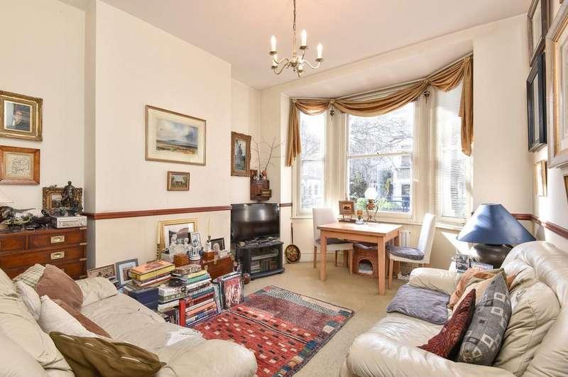 3 Bedrooms Maisonette Flat for sale in Vauxhall Grove, SW8