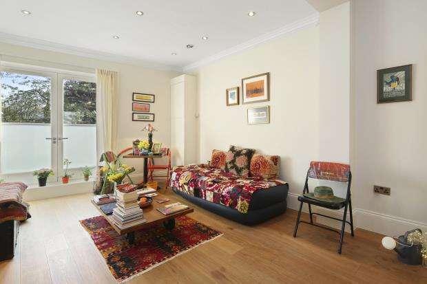 1 Bedroom Flat for sale in Brecknock Road, Kentish Town, London, N7