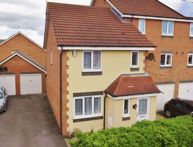 3 Bedrooms Terraced House for rent in Violet Close, Corby