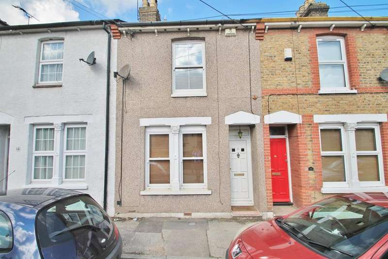 3 Bedrooms Terraced House for sale in Forge Lane, Higham, Rochester, ME3 7AS