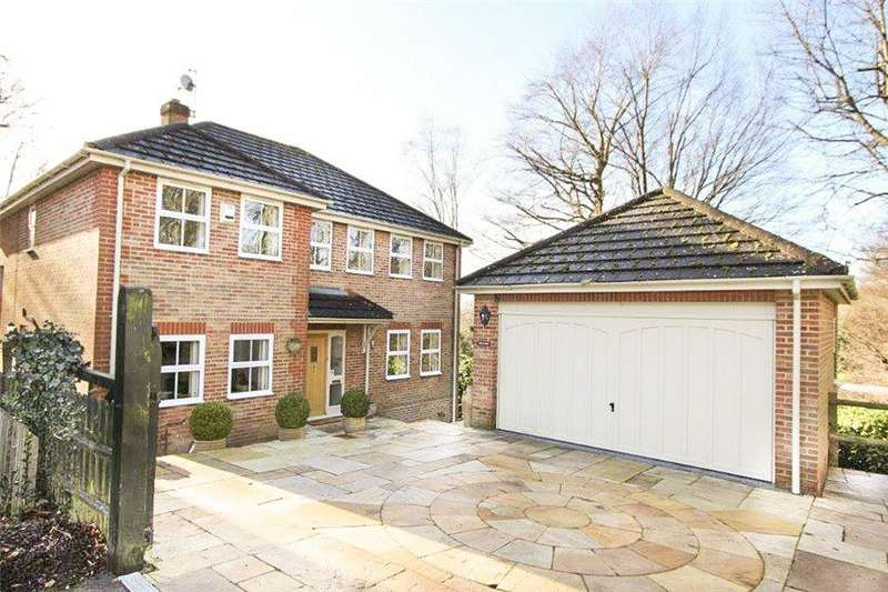4 Bedrooms Detached House for rent in Hazell Park, Amersham, Bucks, HP7