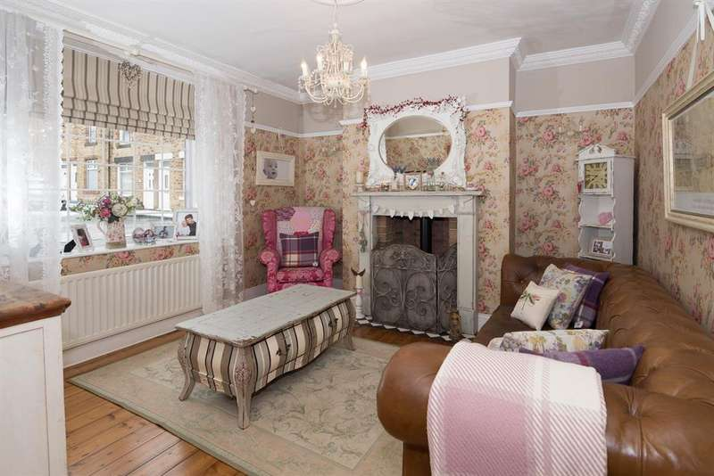 3 Bedrooms Terraced House for sale in Green Street, Consett, DH8 5LP