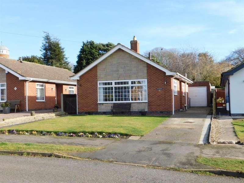 2 Bedrooms Detached Bungalow for sale in Elm Crescent, Burgh Le Marsh, Skegness, PE24 5EG
