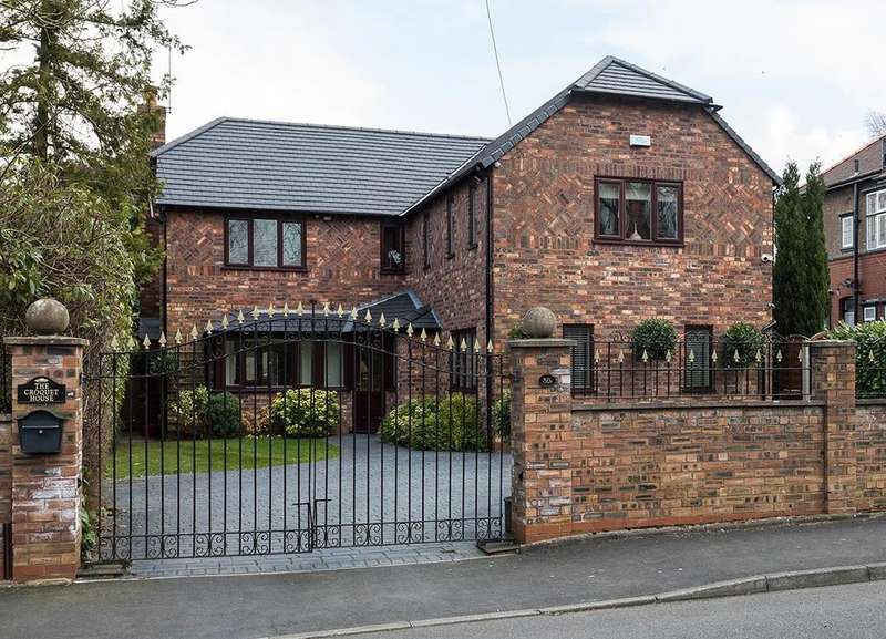 5 Bedrooms Detached House for sale in Winnington Road, Marple