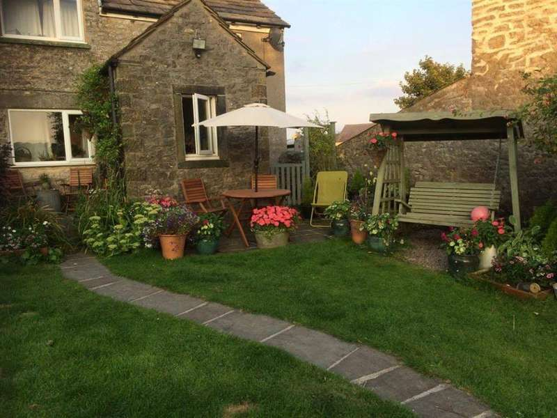 3 Bedrooms Terraced House for rent in Moorview Cottages, Buxton
