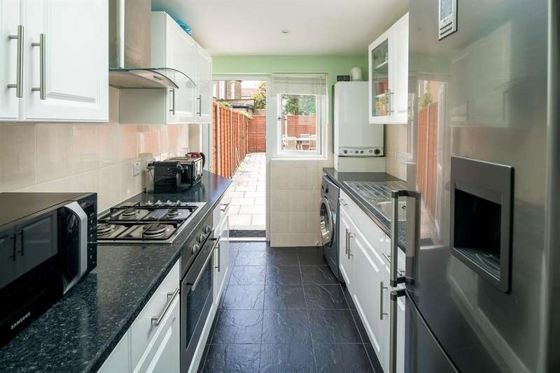 2 Bedrooms Terraced House for sale in Wycombe Road, London, N17