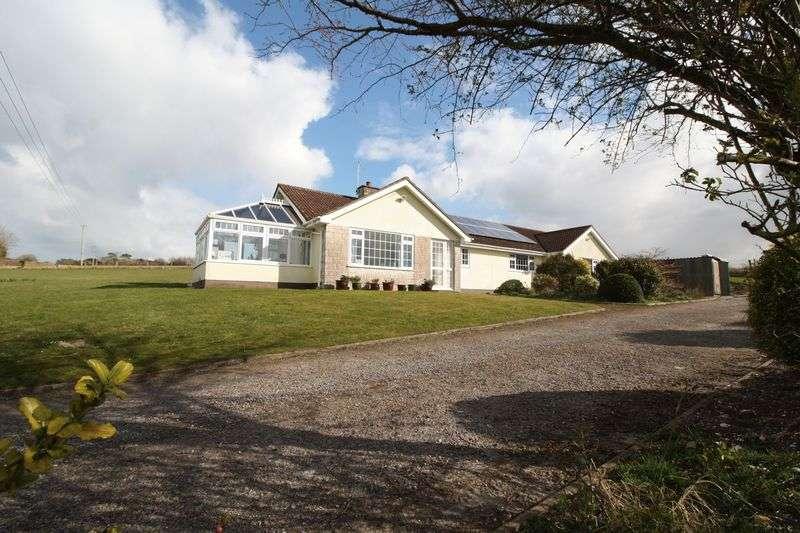 3 Bedrooms Property for rent in Black Lane, Blandford Forum