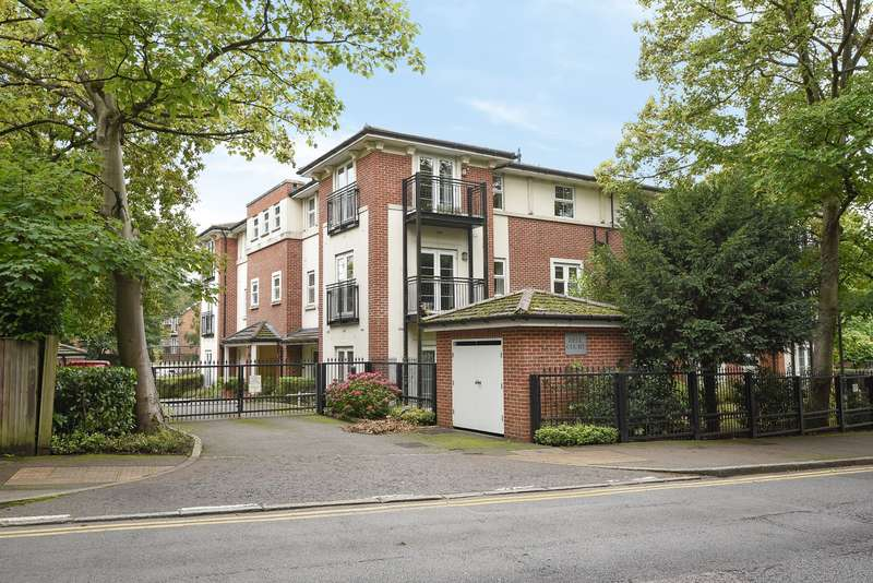 2 Bedrooms Ground Flat for sale in Dell Court, Green Lane, Northwood