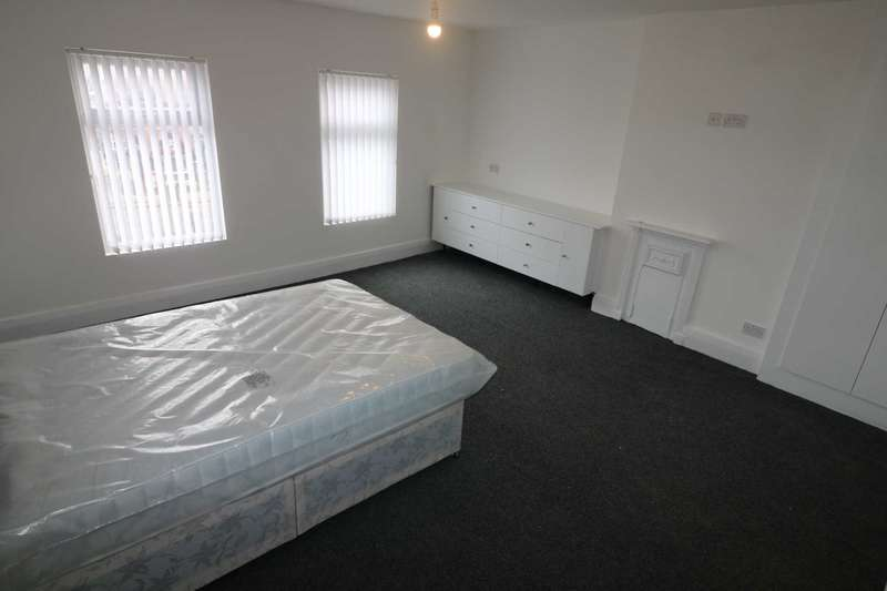 3 Bedrooms Apartment Flat for rent in Aigburth Road, Liverpool