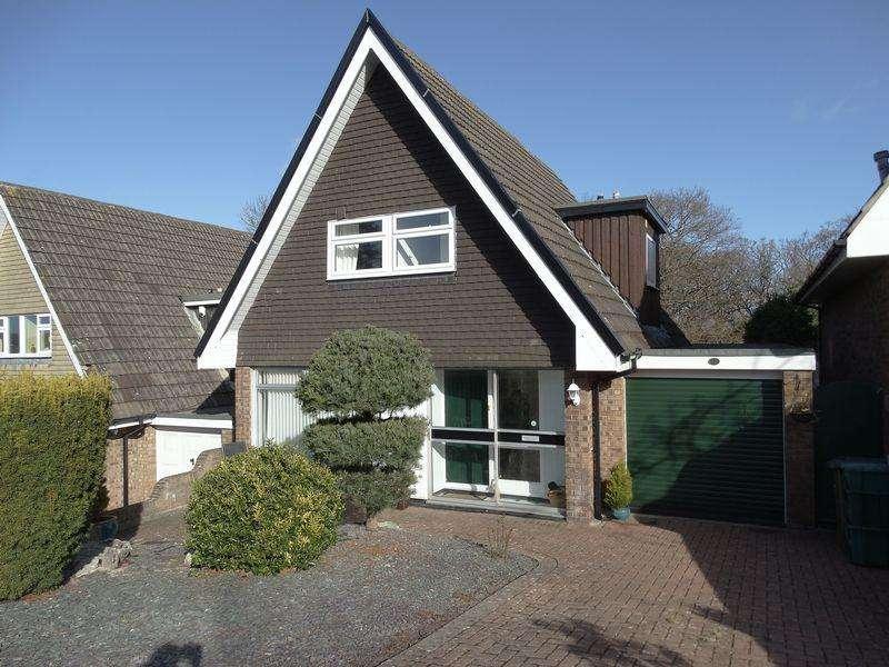 3 Bedrooms Detached House for sale in 12 Ffordd Uchaf, UPPER Colwyn Bay