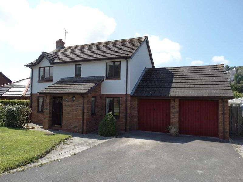 4 Bedrooms Detached House for sale in 12 Plas Penrhyn, Penrhyn Bay