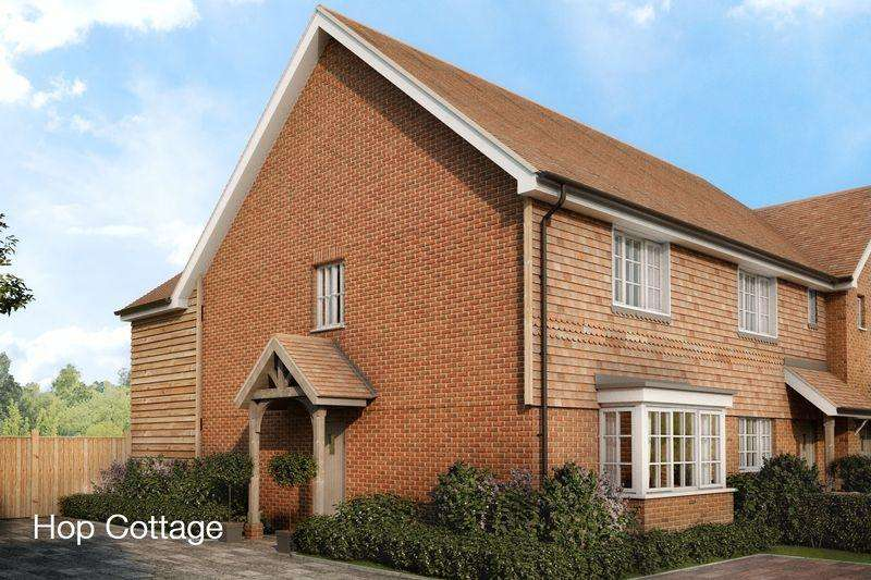 3 Bedrooms Terraced House for sale in Hop Cottage, Bourne Drive, Littlebourne