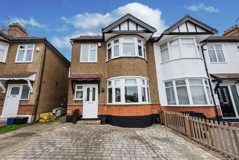 4 Bedrooms End Of Terrace House for sale in Buckhurst Way, Buckhurst Hill