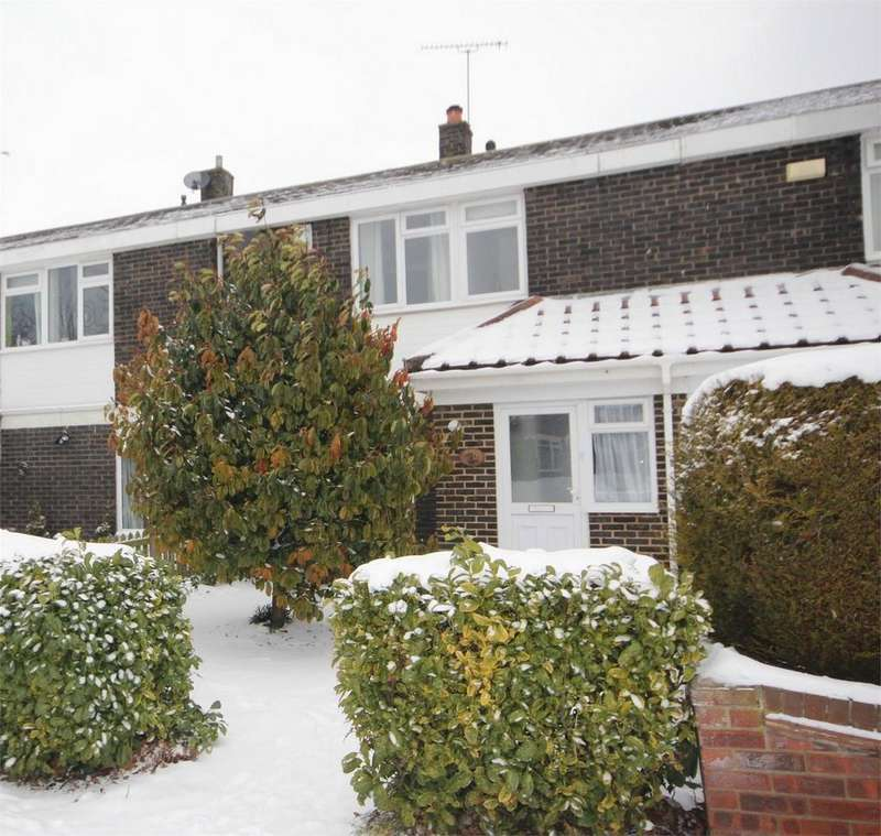 3 Bedrooms Terraced House for sale in Dordells, BASILDON, Essex