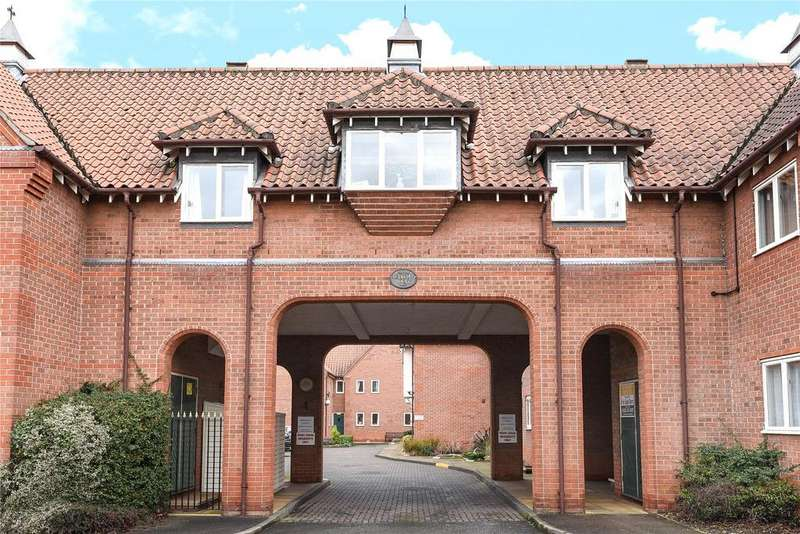 2 Bedrooms Flat for sale in Berkeley Court, Sleaford, NG34