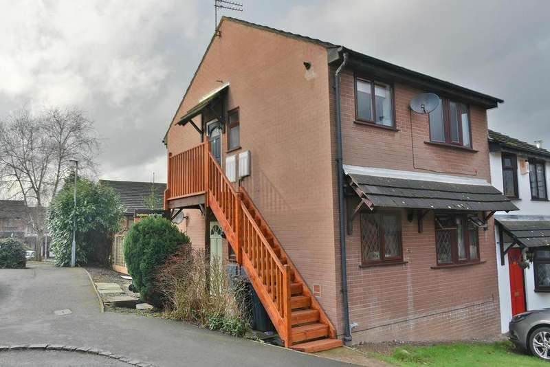 2 Bedrooms Apartment Flat for rent in Holly Walk, Northwich