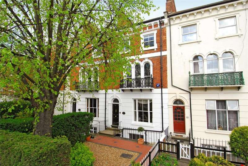 4 Bedrooms Terraced House for rent in Langham Place, Northampton, NN2