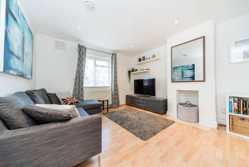 3 Bedrooms House for sale in Carlisle Avenue, Acton