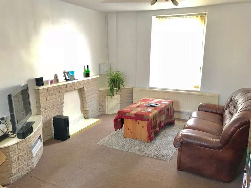 2 Bedrooms Terraced House for sale in Regent Street East, Briton Ferry, Neath