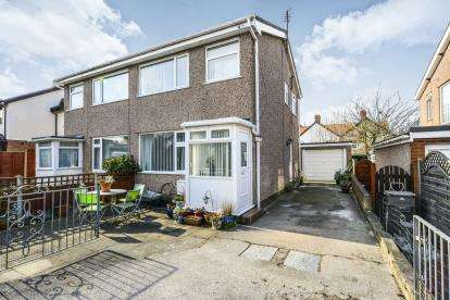 3 Bedrooms Semi Detached House for sale in Shamrock Terrace, Deganwy, Conwy, North Wales, LL31