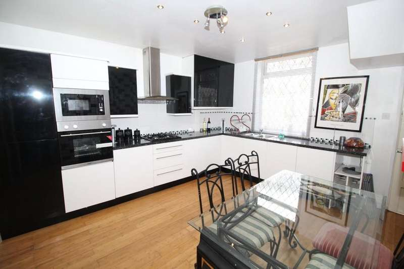 3 Bedrooms Semi Detached House for sale in Wakefield Road, Normanton