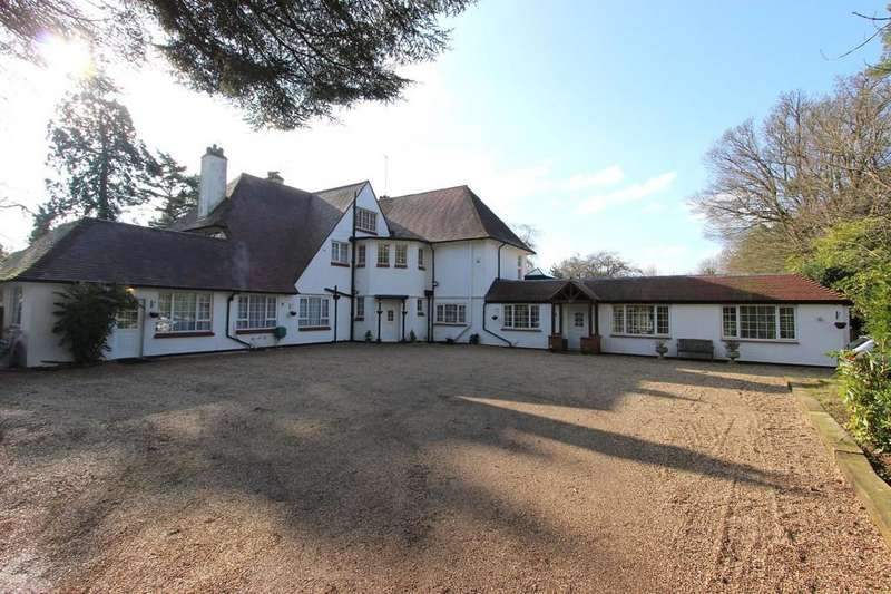 5 Bedrooms Town House for sale in Park Road, Banstead