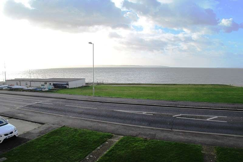 2 Bedrooms Duplex Flat for rent in Marine Parade East, Lee-On-The-Solent