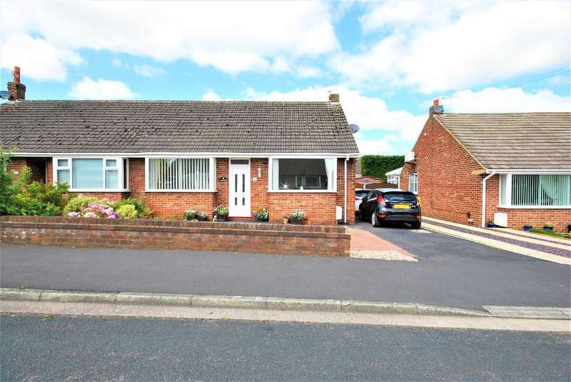 2 Bedrooms Semi Detached Bungalow for sale in Tarnbrick Avenue, Freckleton, Preston, Lancashire, PR4 1PN