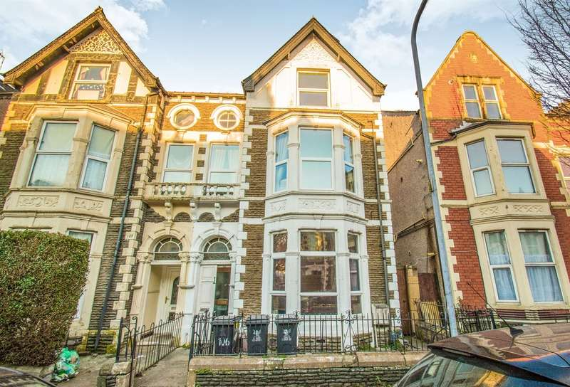 2 Bedrooms Flat for sale in Connaught Road, Cardiff