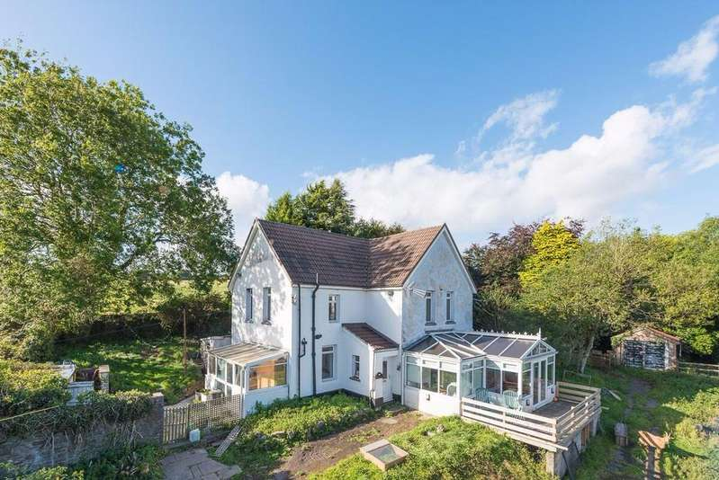 3 Bedrooms Detached House for sale in Resevoir House, Treharris, CF46 5RN