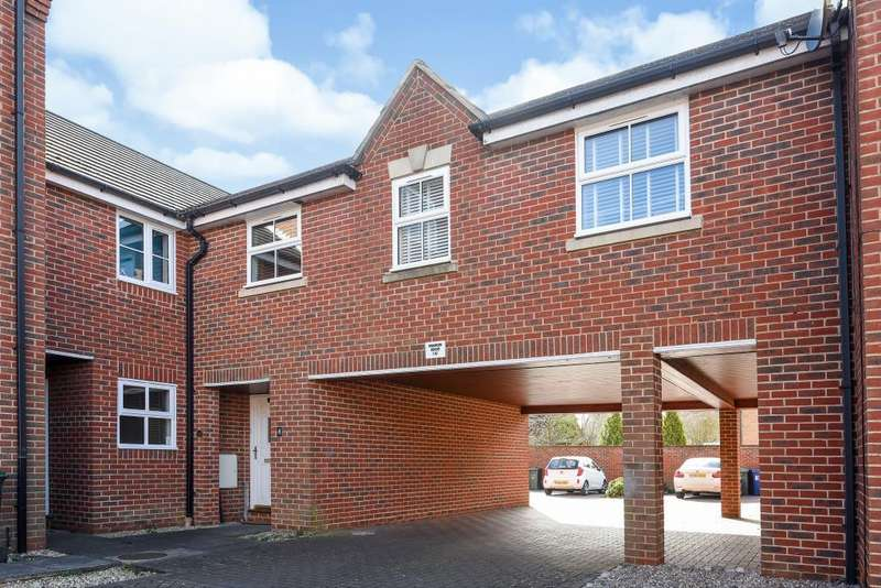 3 Bedrooms House for sale in Butterbur Gardens, Bicester, OX26