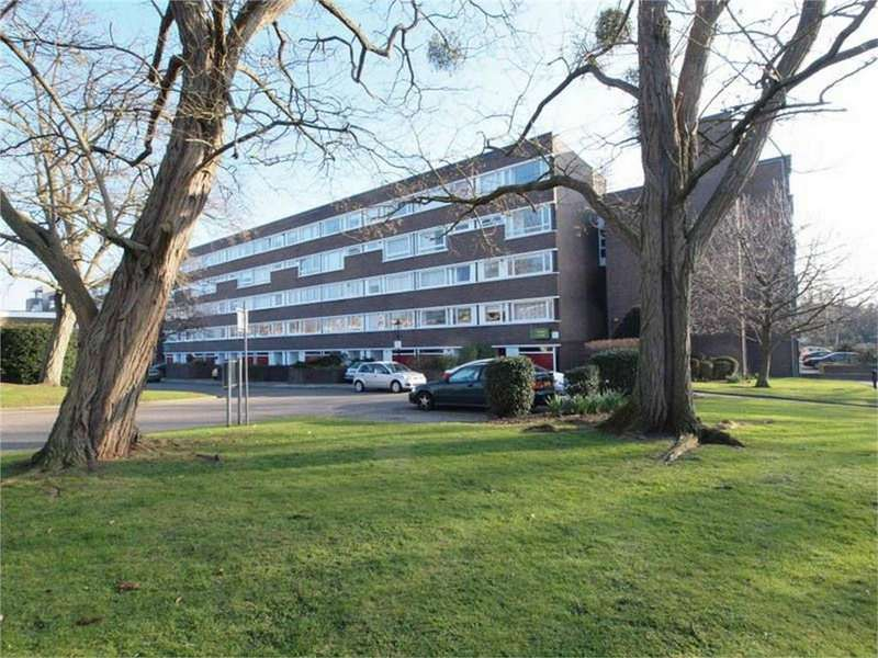 2 Bedrooms Flat for sale in Fair Acres, Bromley, Kent