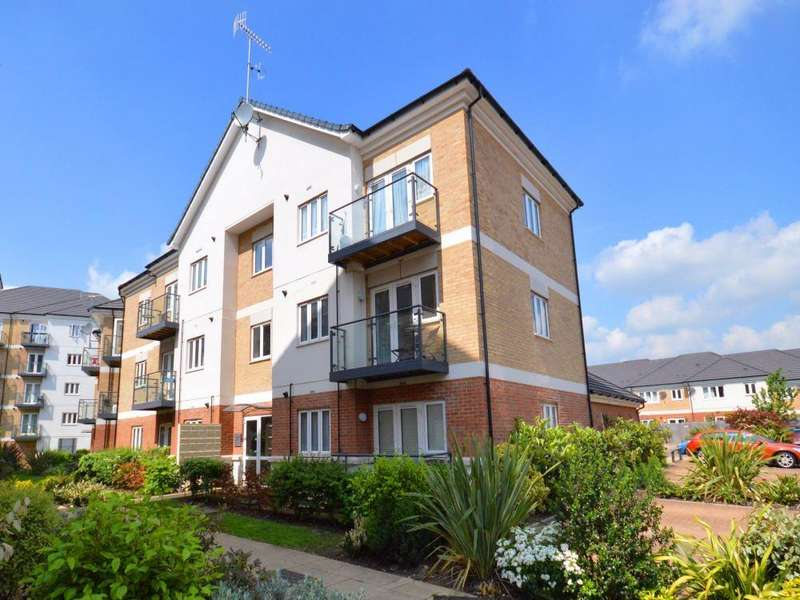 2 Bedrooms Apartment Flat for rent in Oliver Court, Ley Farm Close, Watford, Hertfordshire, WD25