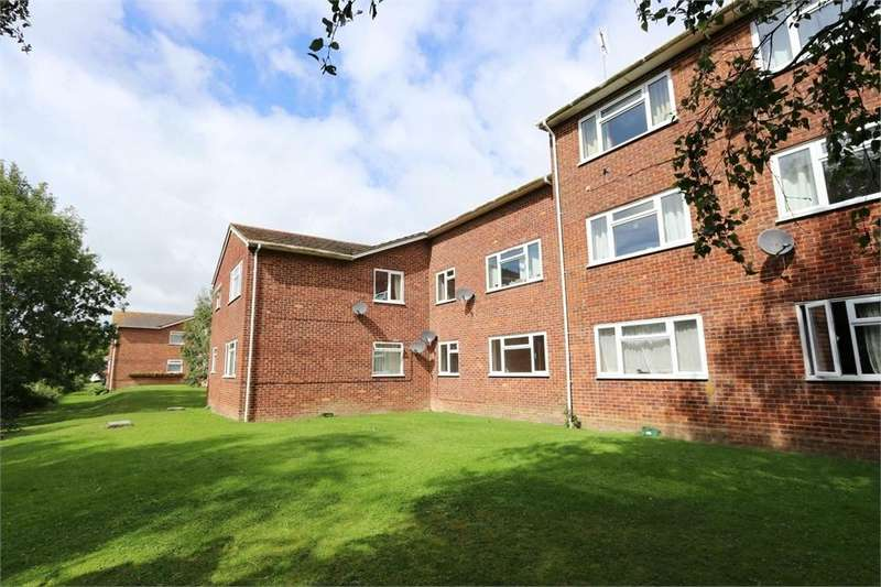 2 Bedrooms Flat for rent in Burnside Court, Black Path, POLEGATE, East Sussex