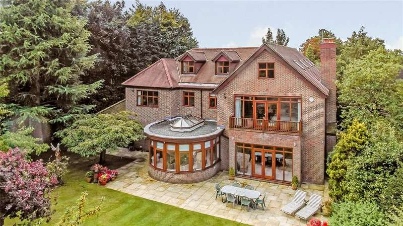 6 Bedrooms Detached House for sale in Loudwater Heights, Loudwater, Rickmansworth, Hertfordshire, WD3