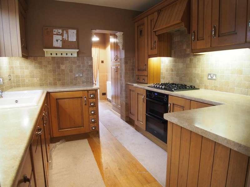 4 Bedrooms End Of Terrace House for rent in oakhurst road, enfield, en3 6qq