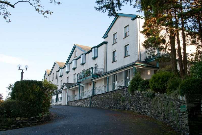 2 Bedrooms Apartment Flat for sale in 15 Crown Rigg, Brantfell Road, Bowness On Windermere, Cumbria, LA23 3AE