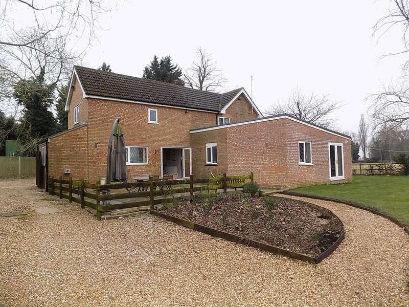 3 Bedrooms Detached House for sale in Eldernell Lane, Coates