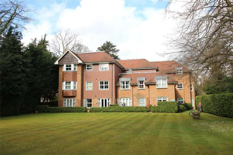 2 Bedrooms Apartment Flat for sale in Woodlands House, 89 Old Woking Road, West Byfleet, Surrey, KT14
