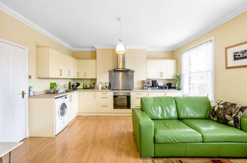 1 Bedroom Flat for sale in Gaisford Street, Kentish Town, NW5
