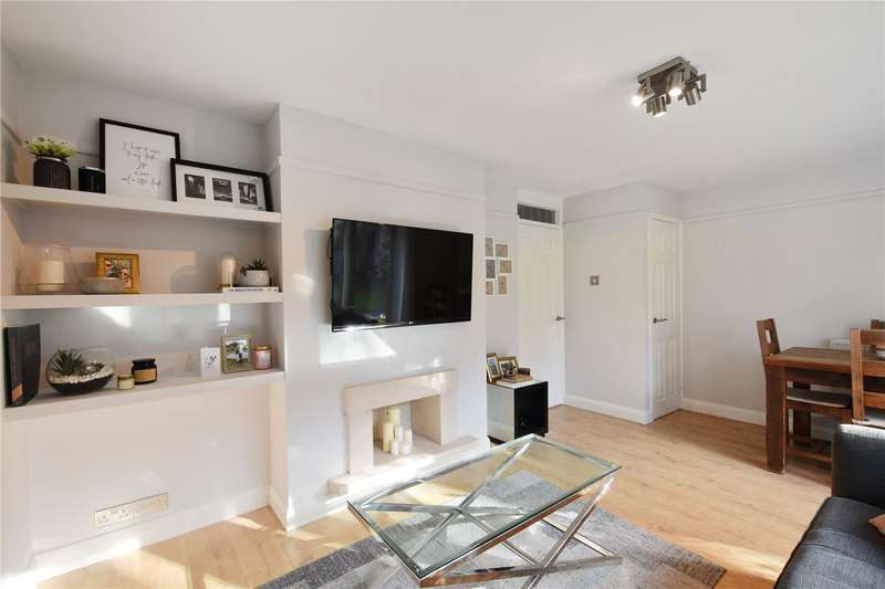 2 Bedrooms Flat for sale in Buxton House, Buxton Drive, London, E11